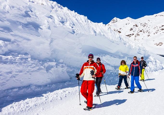 Schneeschuhwandern beim Event im Schnee