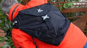 X-Over Geocaching Rucksack auf dem Rücken von Christian