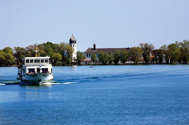 Ausflugsboot auf dem Chiemsee.