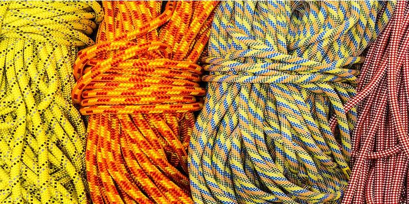 Vier Seile mit verschiedenen Farben