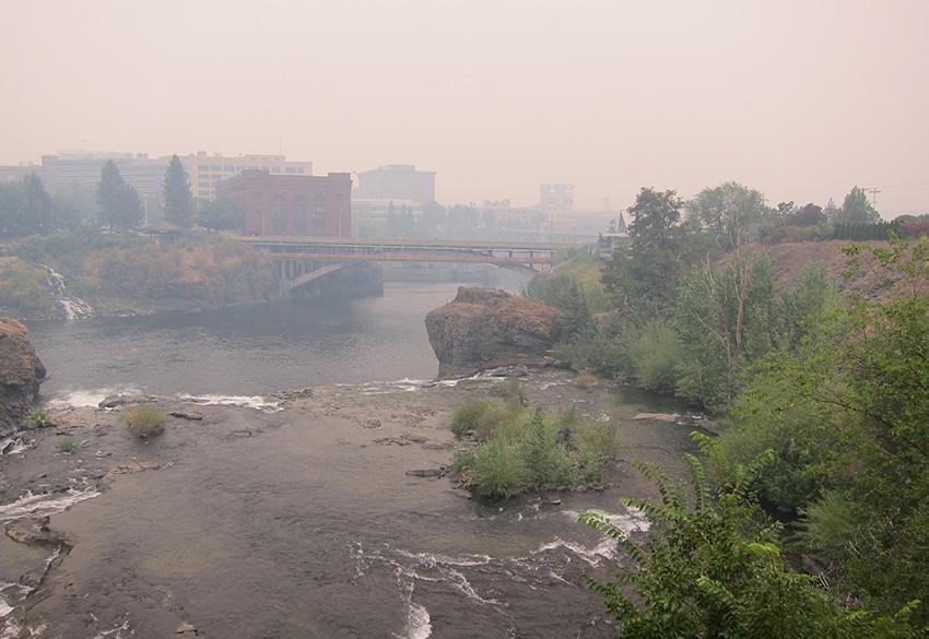 Rauchwolke in Spokane durch Waldbrände