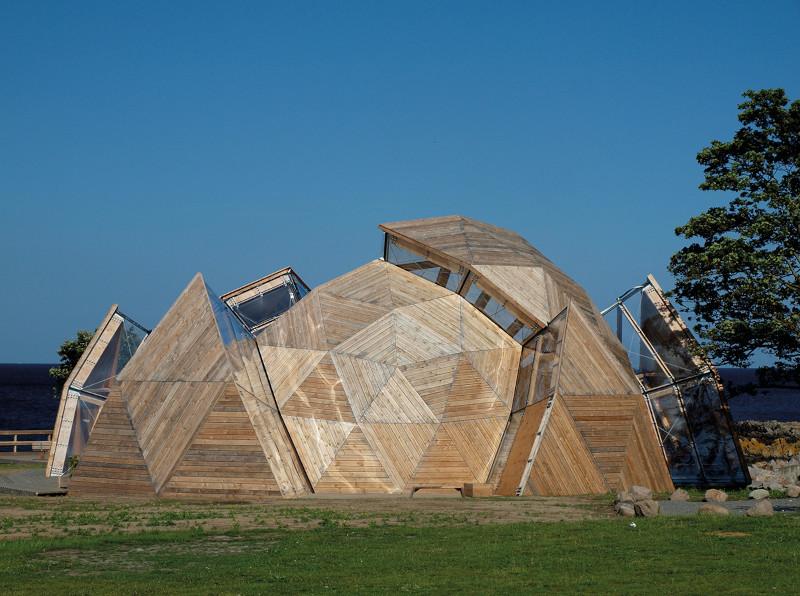 Modernes Gebäude aus Holz
