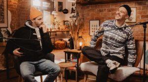 Geocaching im Podcast: Rikkert von freeda reist erklärt Fynn Kliemann das Hobby